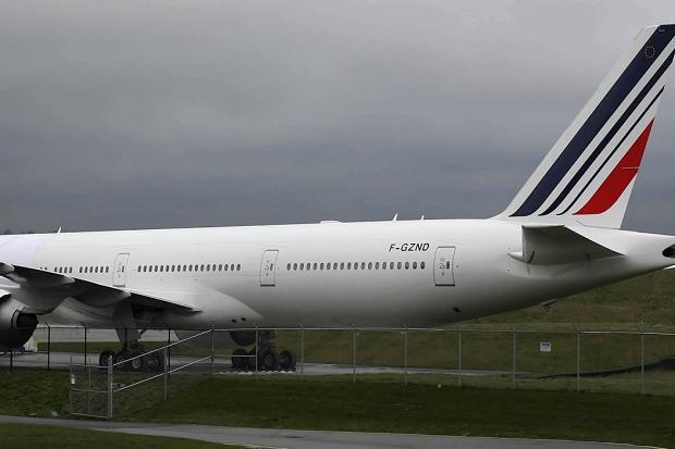 No threat found on two diverted flights to Paris