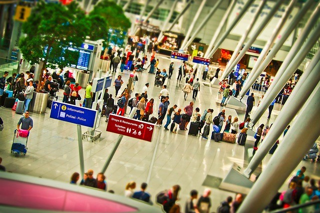 5 Tricks to Help Frequent Travelers Save Time at the Airport