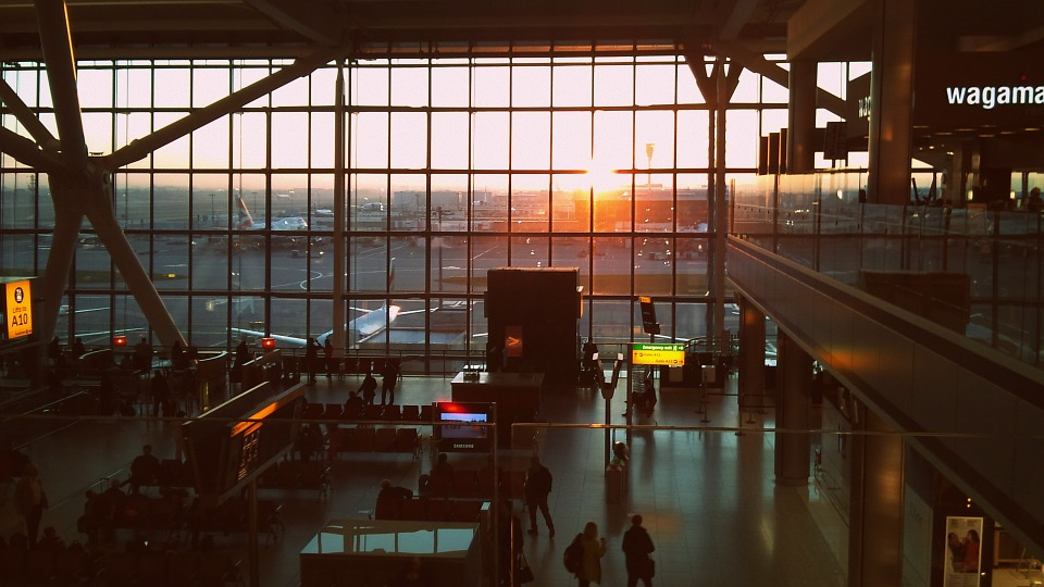 What to Do When Waiting in a Busy UK Airport